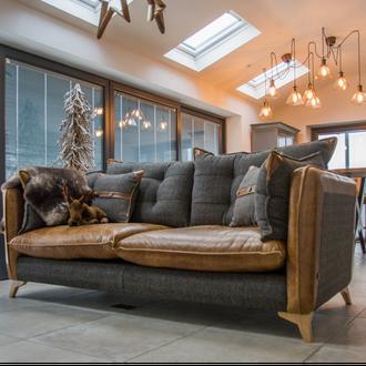 1050 Regal Sofa Collection