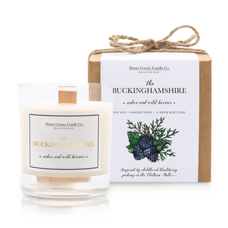 THE BUCKINGHAMSHIRE - CEDAR AND WILD BERRIES SOY CANDLE