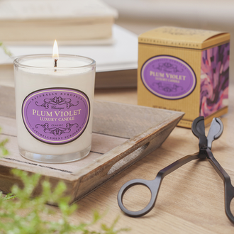 Naturally European Plum Violet 200g Candle