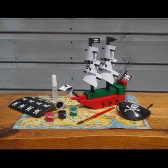 Gift in a Tin - Pirate ship in a Tin