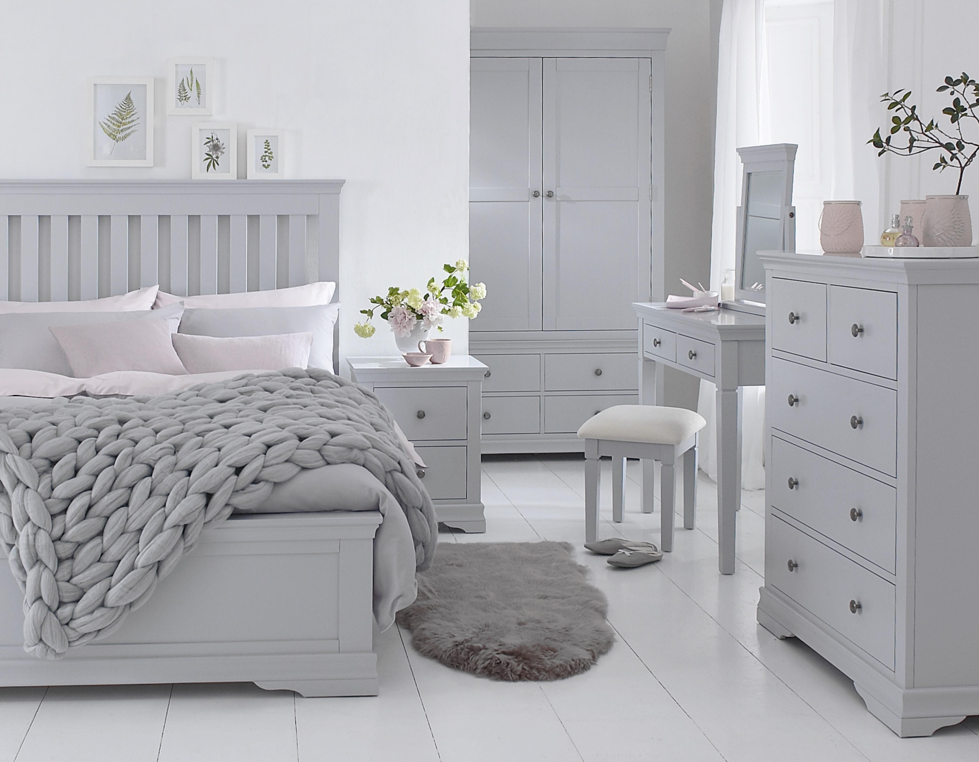 SW Bedroom grey.jpg