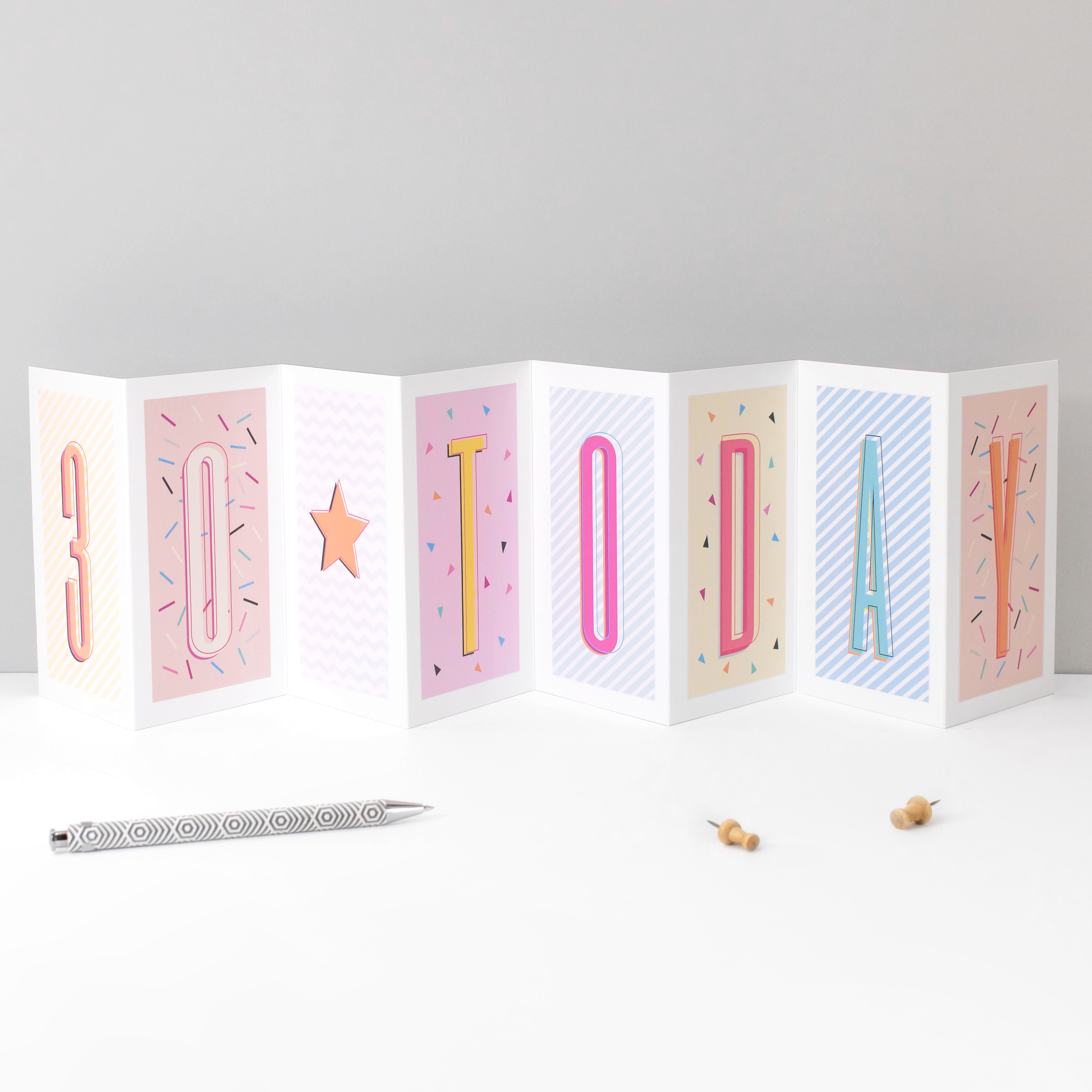15 'Funky Confetti' fold-out cards